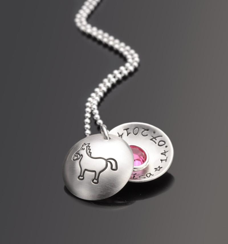 Kinderkette-Pferd-Kinderschmuck-mit-Gravur-Silber
