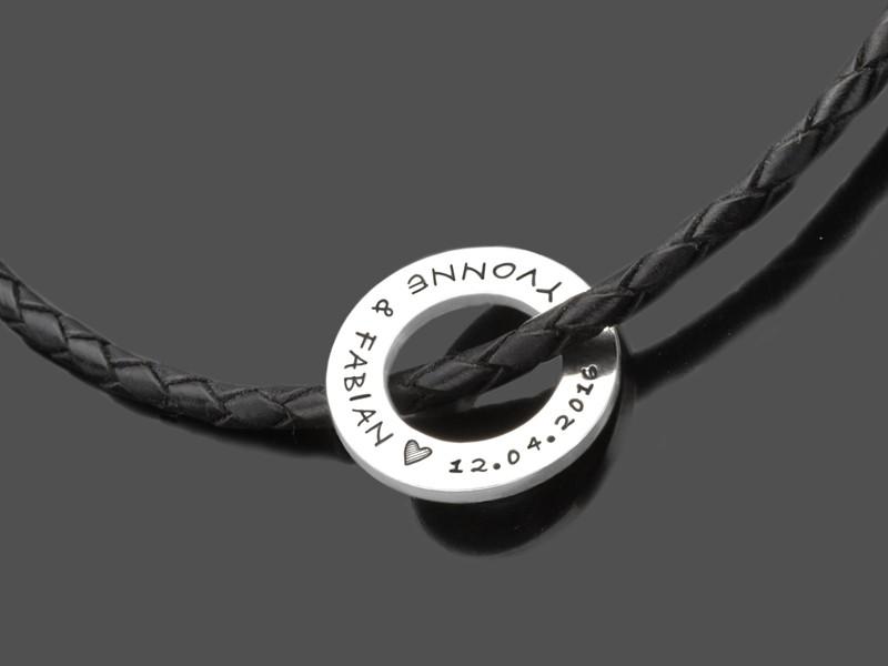 Personalisierte Männerkette aus Leder und Silber