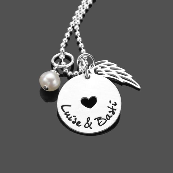 Silberkette mit Namen und Flügel