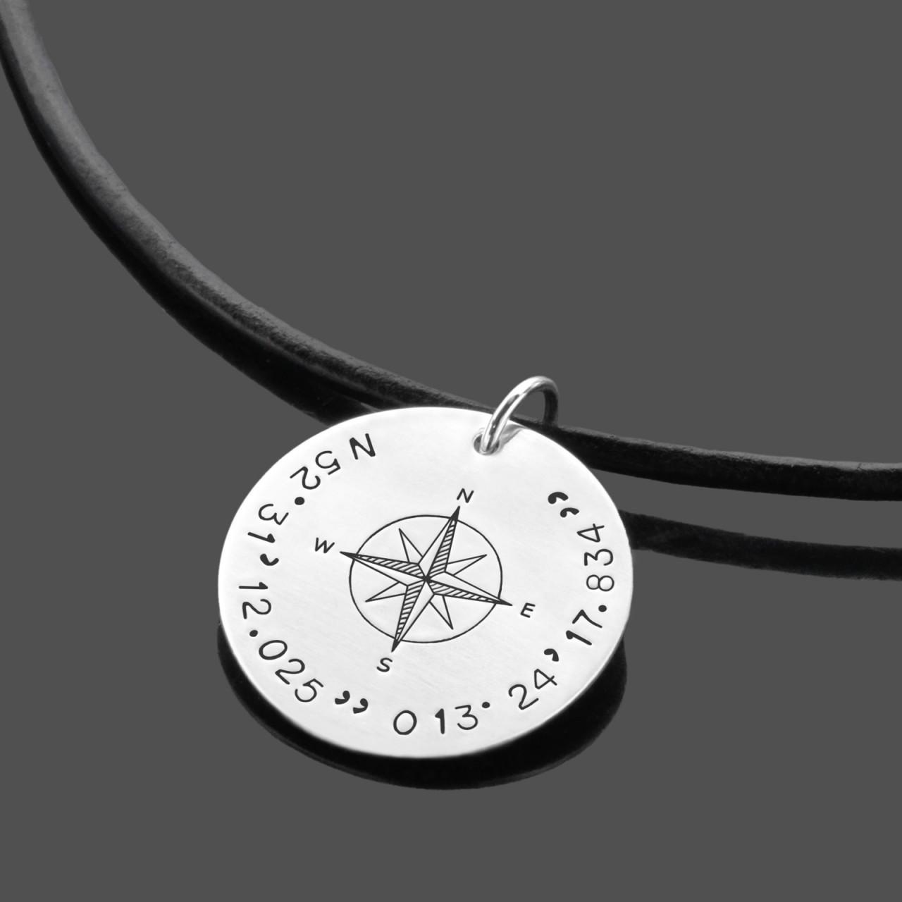 Herrenkette mit Koordinaten und Kompass aus Leder und Silber