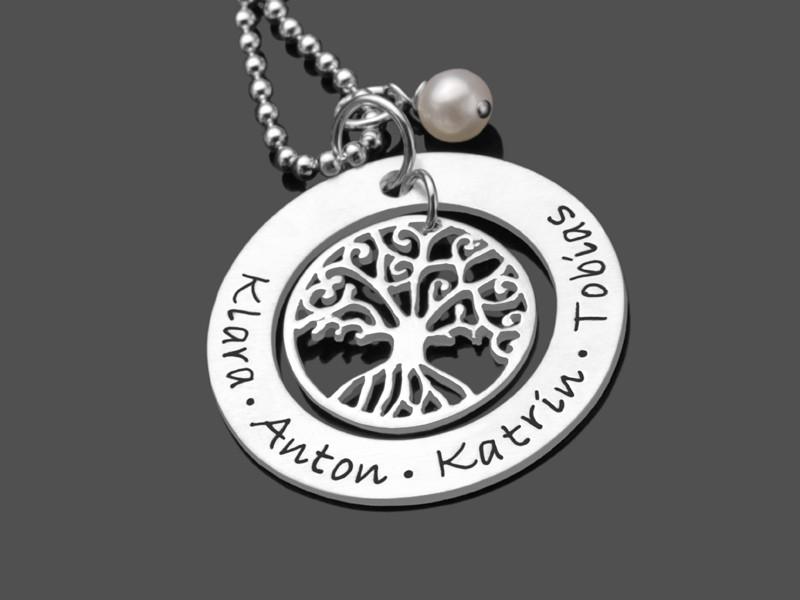 Familienkette mit Gravur und Lebensbaum