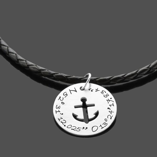 Herrenkette-mit-Koordinaten-925-Silber-Lederkette-Maenner-GPS