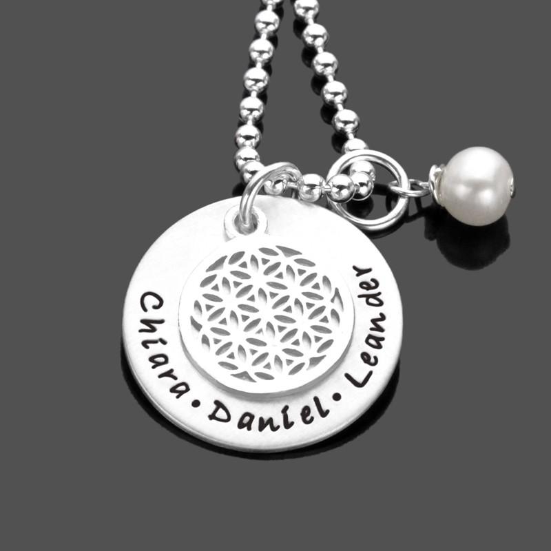 Silberkette mit Namen und Blume des Lebens