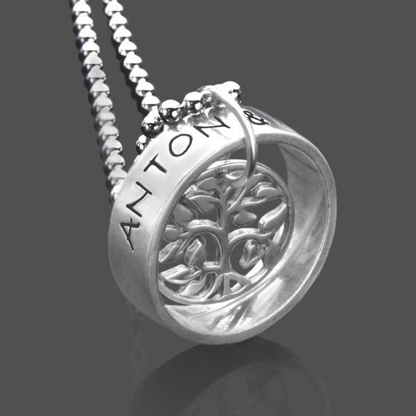 Silberkette mit graviertem Ring und Lebensbaum