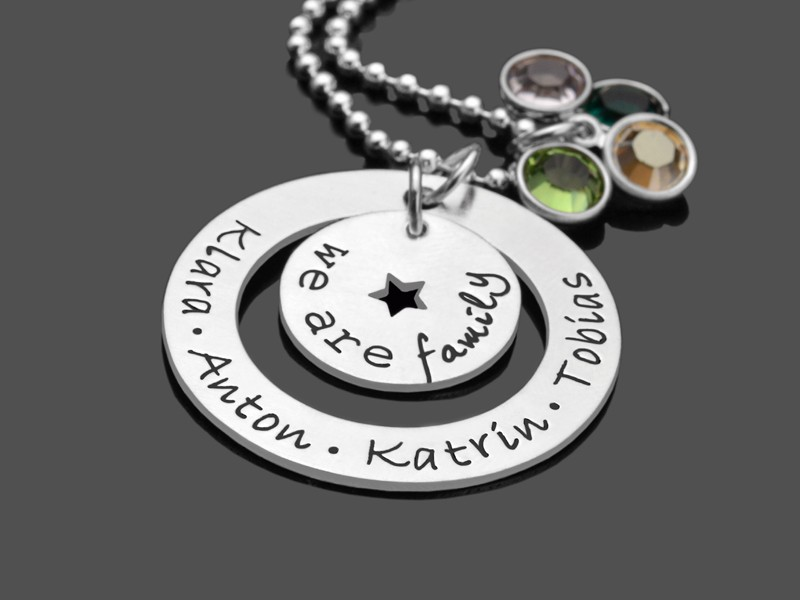 Familienkette mit Kindernamen FAMILY STAR Silberkette 925 Silber mit Stern und Kristallen