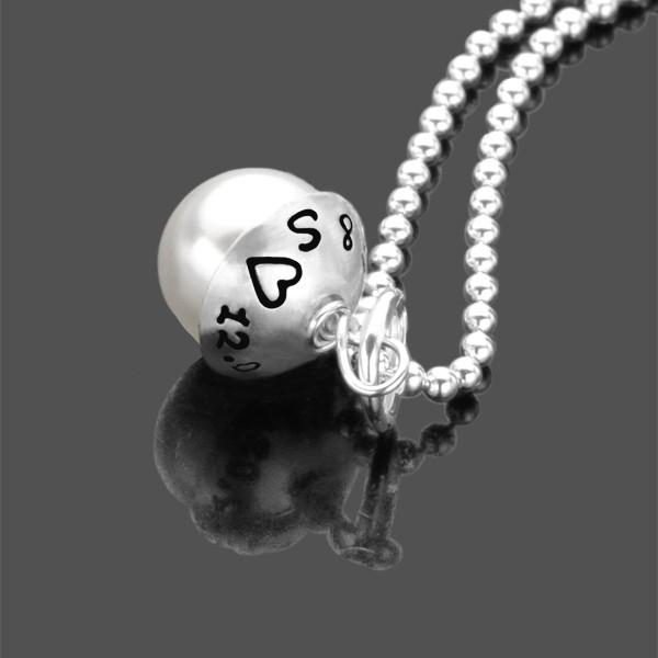 Namenskette mit Gravur, Anhänger mit Perle