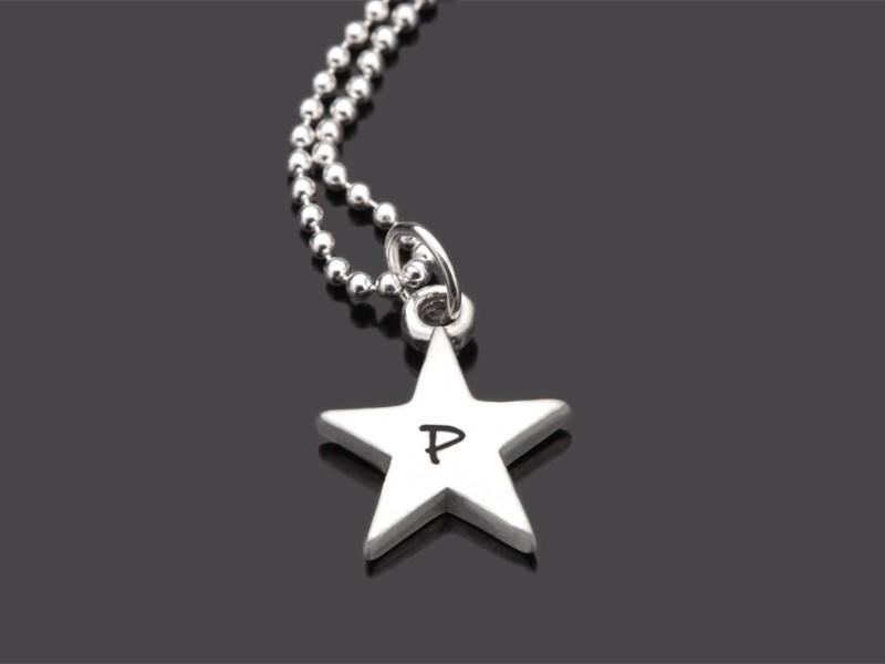 Kette mit Buchstaben INITIAL STAR Namenskette Silber mit Gravur