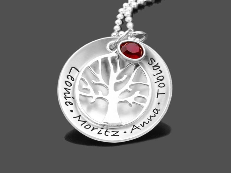 Silberkette mit Namen und Lebensbaum
